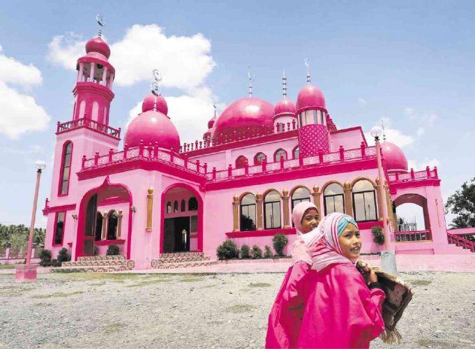 المسجد الوردي في الفليبين