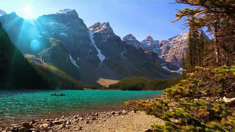 بحيرة الركام، في ألبرتا، كندا