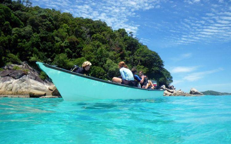 جزيرة برهنتيان وجزيرة ريدانغ