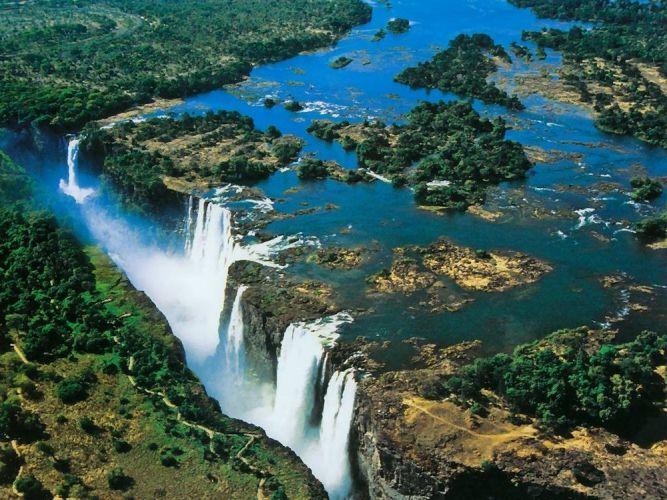 شلالات فيكتوريا، زامبيا وزيمبابوي