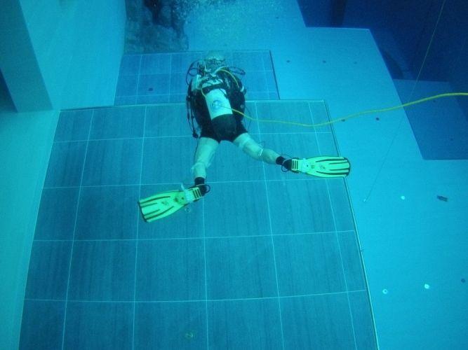 أعمق بركة سباحة