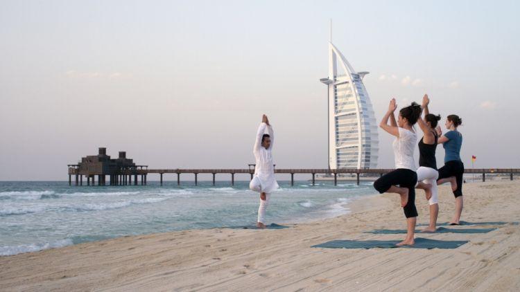 اليوغا المجانية في دبي