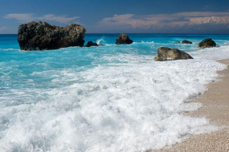 جزيرة ليفكادا اليونانية