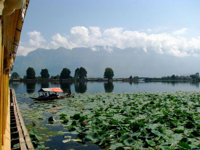 بحيرة ناجين