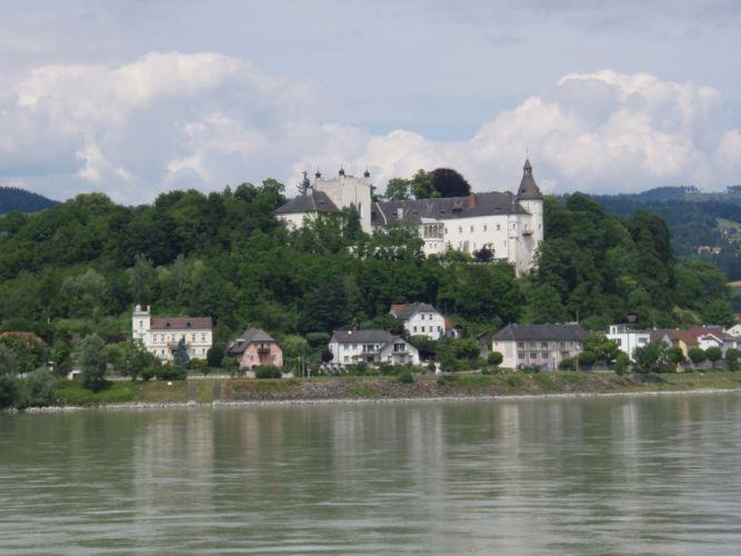قلعة لينز