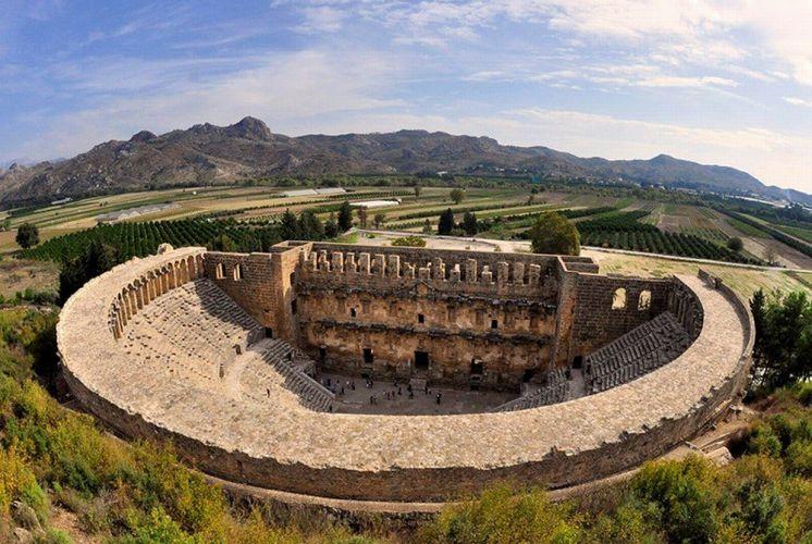 مدرج إسبندوس اليوناني الكبير