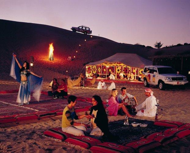 التخييم في الصحراء