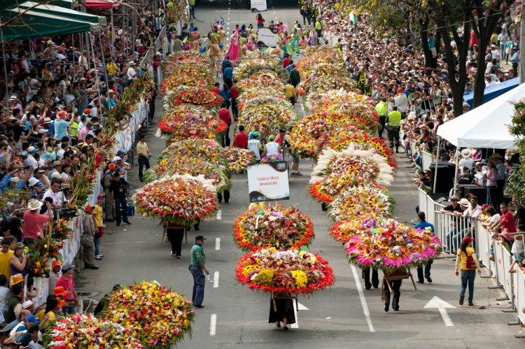 مهرجان ميديلين للزهور وكرنفال بارانكويلا