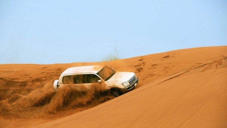 سيارات الدفع الرباعي سفاري دبي