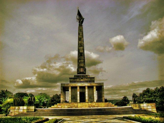النصب التذكاري للجنود الروس