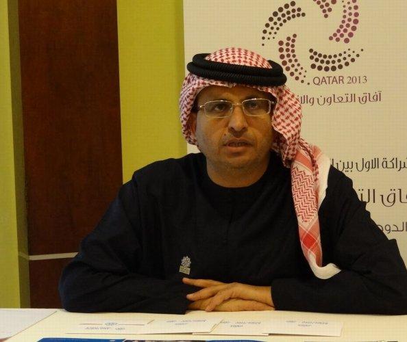 رئيس المركز العربي حسين المناعي
