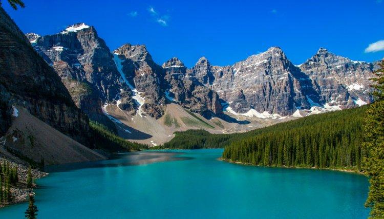 بحيرة لويز في كندا