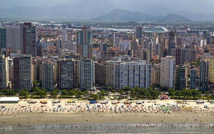 شاطئ سانتوس في البرازيل