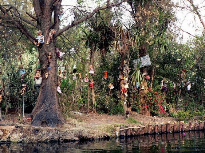 جزيرة الدمى في المكسيك