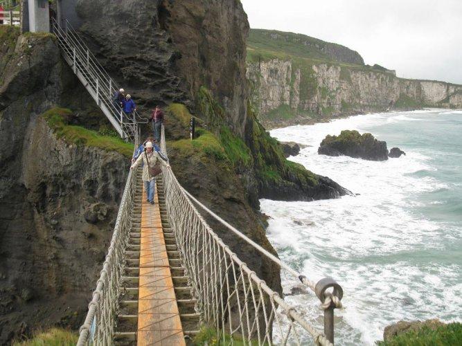 الجسر العملاق في إيرلندا الشمالية بالمملكة المتحدة