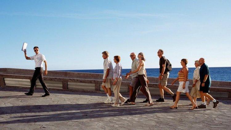 المرشد السياحي الناجح