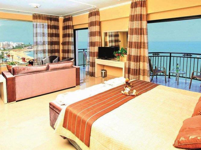 فندق كونستانتينوس ذا جريت بيتش