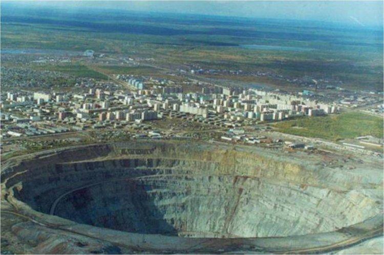 منجم الألماس في سيبيريا