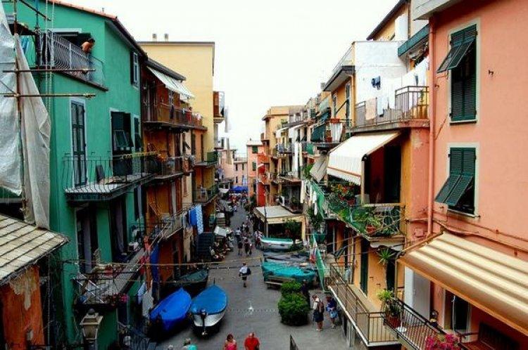 ايطاليا، شوارع مانارولا والبيوت الملونة