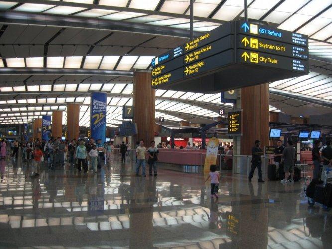 أفضل 10 مطارات بالعالم