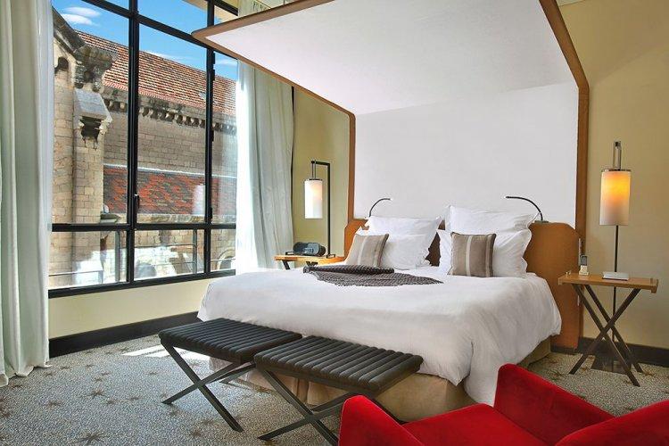 فندق فايف سيز في فرنسا