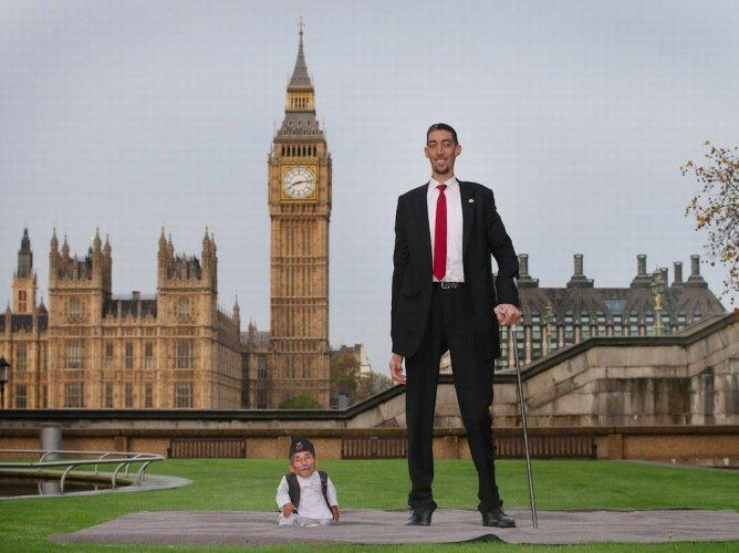أطول الرجال قامة في العالم