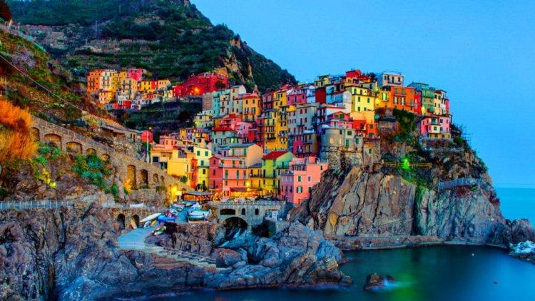 ايطاليا، قرية مانارولا الملونة