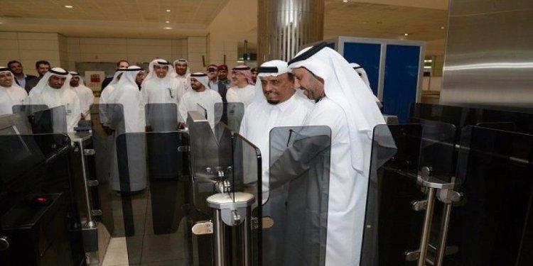 استخدام الهاتف الذكي بدلا من جواز السفر في مطار دبي