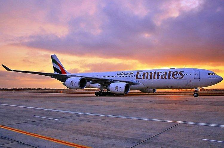 طيران الإمارات يستعين بنظارة الواقع المُعزّز AR لتحسين جودة الخدمة