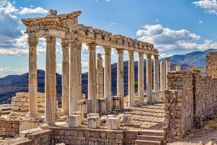 أحد الأثار القديمة فى تركيا
