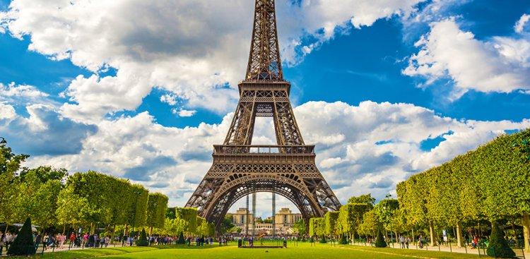 برج ايفل في فرنسا