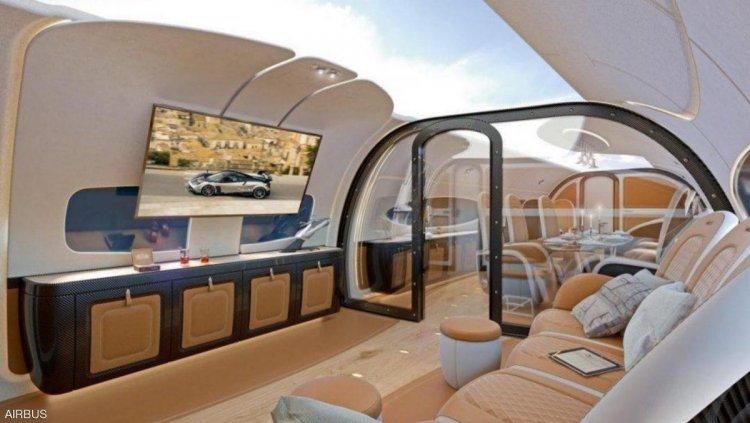 طائرة ركاب بسقف شفاف