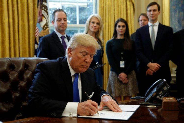 بدء تفعيل قرار ترامب بحظر السفر