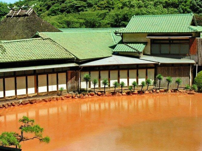 ينبوع (بركة الدم) في اليابان