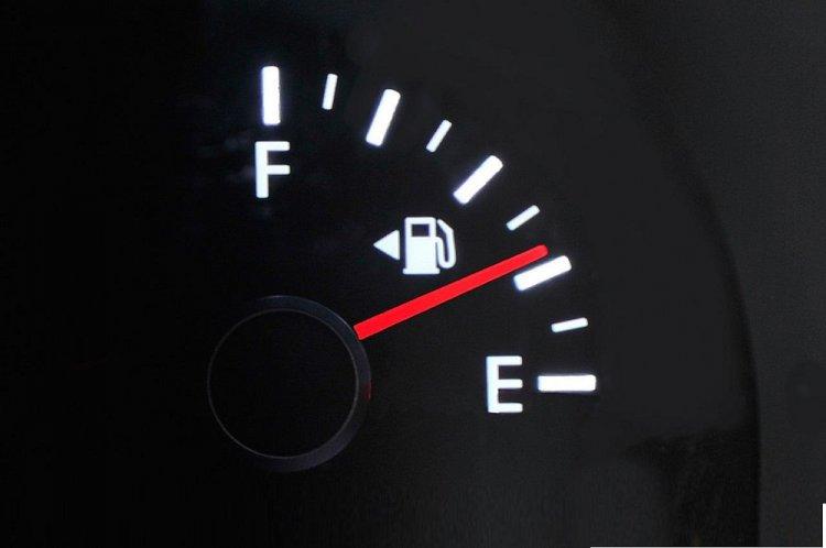 النصائح الخاصة بالحد من استهلاك الوقود عند السفر لمسافات طويلة