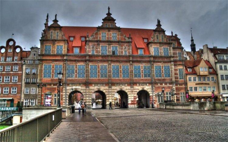 المباني العريقة في بولندا