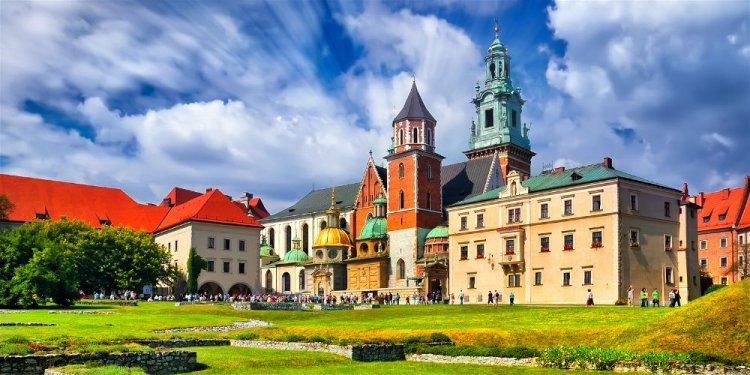 المعالم الاثرية في بولندا