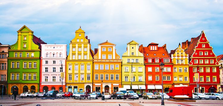 مباني بولندا الملونة الجميلة