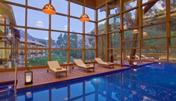 حمام السباحة في فندق تامبو دل إنكا، البيرو