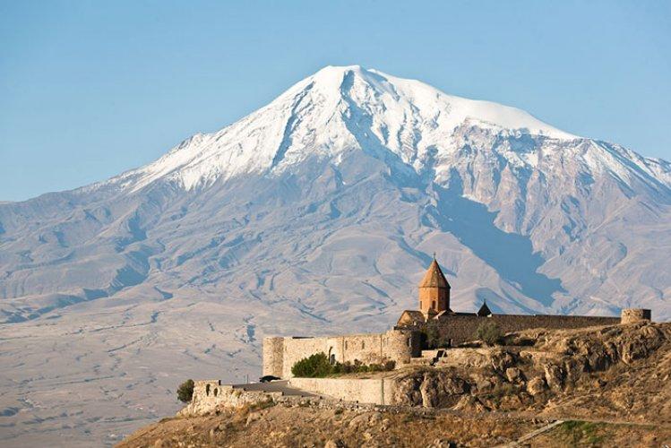 جبل أرارات في ارمينيا