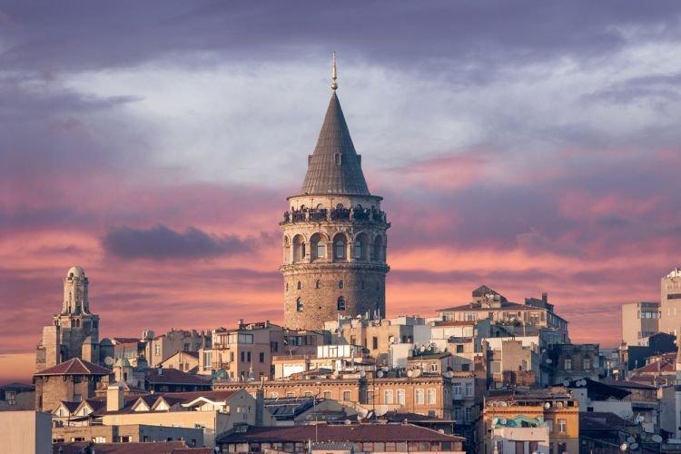 جمال البناء وروعة التصميم في برج غلطة