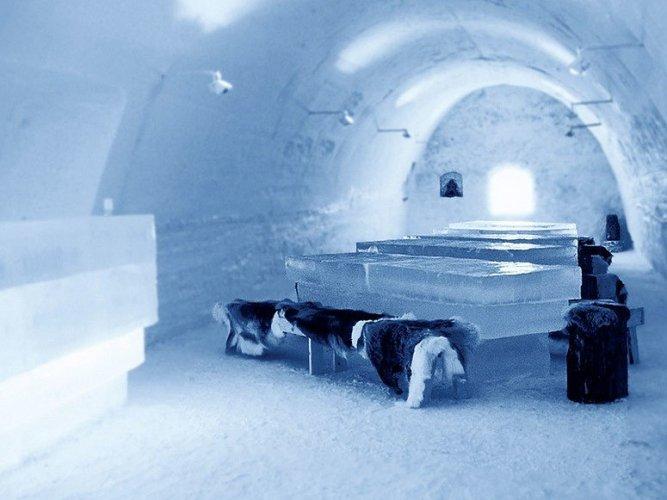 مطعم في قلعة الجليد