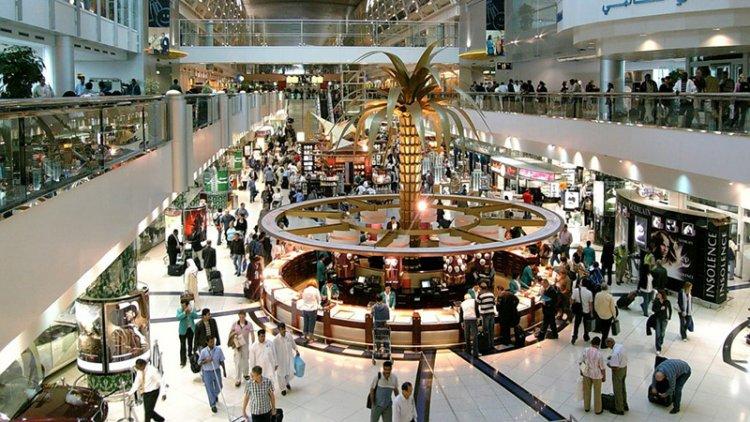 مطار دبي يتيح للمسافرين مشاهدة احدث الافلام مجانا