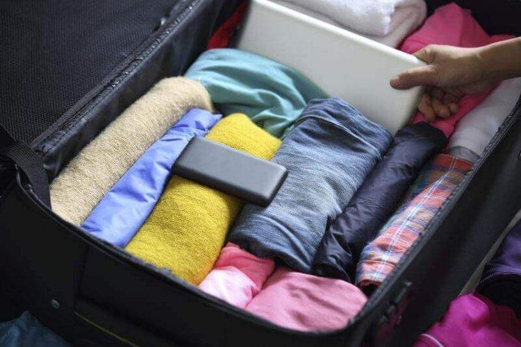 استغلال الفراغات بين الملابس