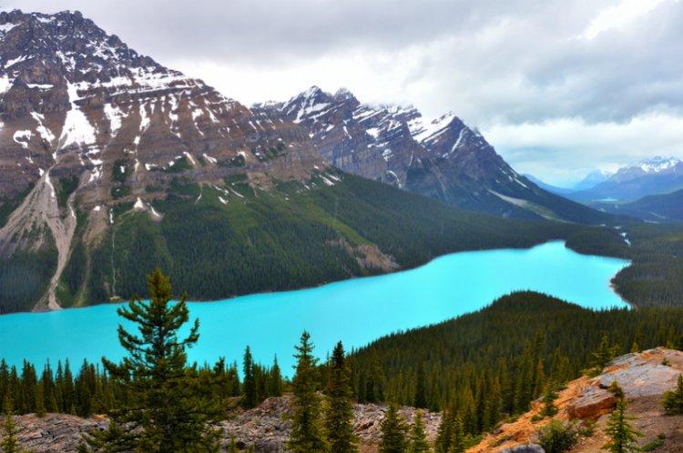 بحيرة بيتوا في كندا