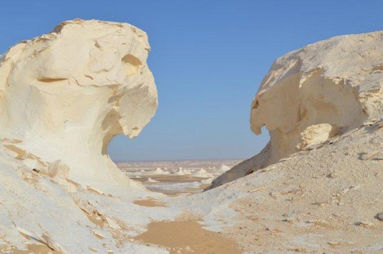 تكوينات طباشيرية - الصحراء البيضاء