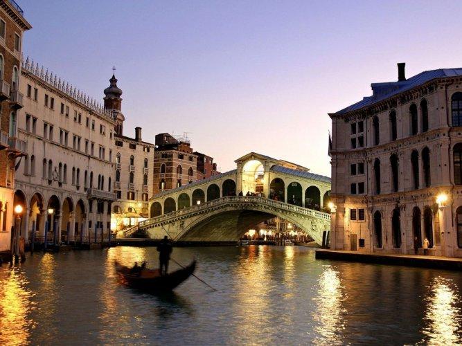 مدينة رافيلو من أهم الاماكن السياحية في ساحل أمالفي في ايطاليا