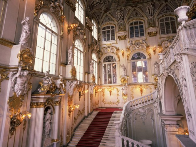 متحف الارميتاج بسان بطرسبرج في روسيا