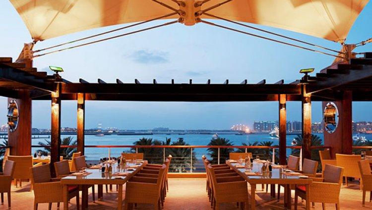 مطعم بوسولا فندق ويستن دبي
