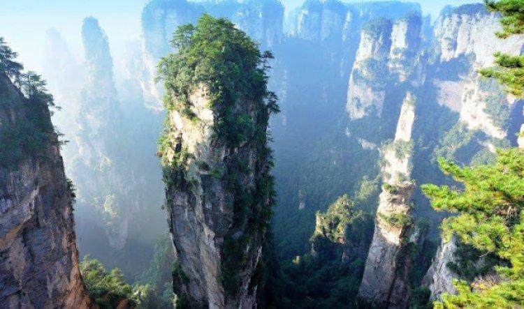 جبال تيانزي أماكن مقدسة من جانب سكان المناطق الخارجية من هونان